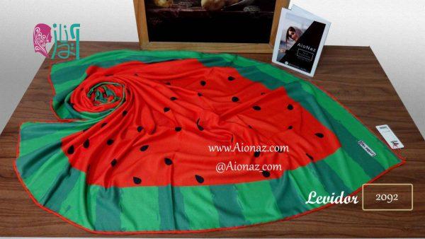 روسری نخی پاییزه طرح شب یلدا هندوانه نمای بالا