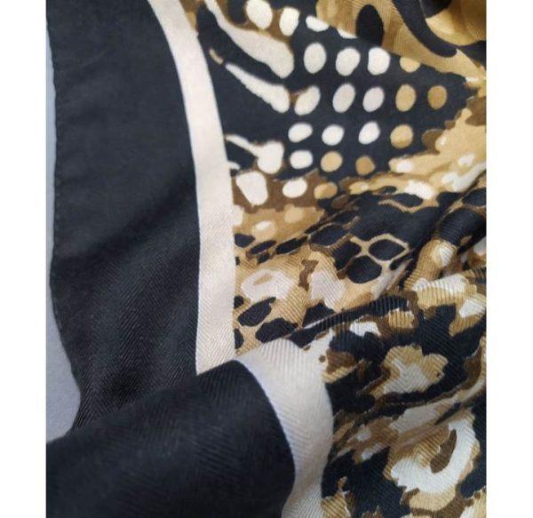 خرید عمده روسری نخی پوست ماری نمای نزدیک
